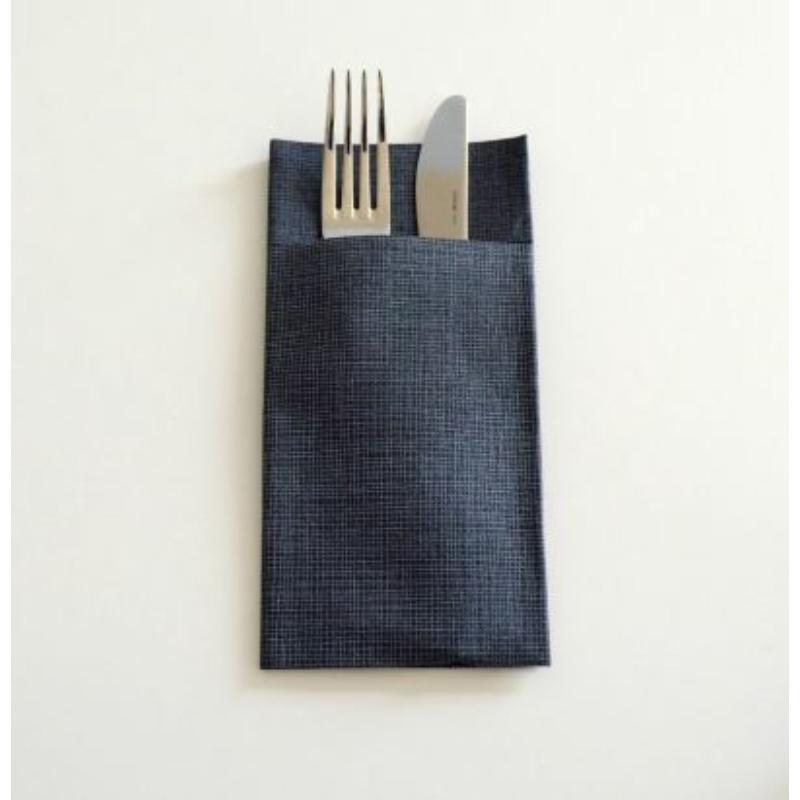 Textilhatású 1/8 hajtású evőeszköztartós szalvéta 40x32 cm Gama Hilo - fekete