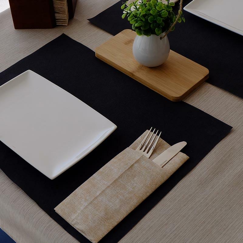 Textilhatású 1/8 hajtású evőeszköztartós szalvéta 40x32 cm Gama Szahara - krém